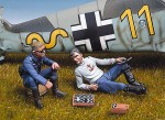 1-48-German-pilots-playing-chess