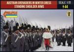 1-72-Austrian-Grenadiers-in-Winter-Dress-Standing-Shoulder-Arms-Napoleonic
