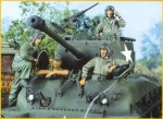 1-35-US-Tank-Crew-1943-45-4-figs