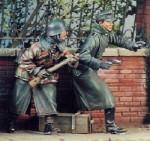 1-35-2-German-Soldiers