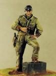 1-35-British-Tank-Officer-Ardennes