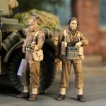 1-35-Officier-et-operateur-radio-15-th-Scottish-Division-Normandie-Juillet-1944-2-fig-