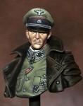90mm-German-Officer