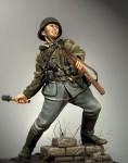 1-35-German-Grenadier-1943-44