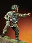 1-35-English-Paratrooper