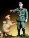 1-35-Unterfeldweber-with-dog-1942-43