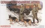1-35-German-Feldgendarmerie-with-Dogs-Figure-Set