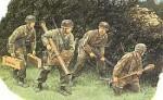 1-35-Hedgerow-Tank-Hunters-Figure-Set