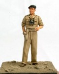 1-35-British-officer-tank-commander-N-Africa