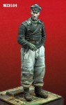 1-35-SS-Panzer-crewman-late-WWII