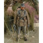 1-35-Wehrmacht-Gebirgsjager-with-MP40-WWII