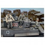 1-35-German-Crew-Tiger-I-Eastern-Front-WWII-3-Figures