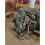 1-35-German-Infantry-with-Jack-WWII