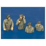 1-35-British-tank-crew-WWII