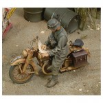 1-35-DKW-German-Motorcycle-Rider-WWII