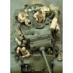 1-35-M26-Pershing-Crew-WWII