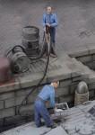 1-35-Men-refuelling