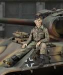 1-35-Crewman-SS-Panzerdivision