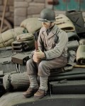 1-35-U-S-Infantry-at-rest-with-rifle-WWII