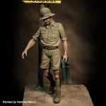 1-35-Italian-soldier-with-jerry-can