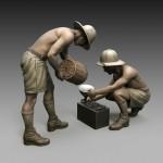 1-35-Italian-soldiers-battery-maintenance
