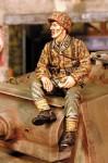 1-35-SS-Grenadier-Sitting