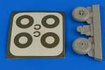 1-32-Bucker-Bu-131-wheels-and-paint-masks-transverse-tread-w-o-disc-cover