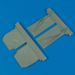 1-32-P-51B-Mustang-undercarriage-covers-TRUMP