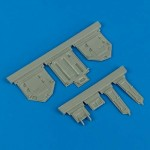 1-32-F-86-Sabre-undercarriage-covers