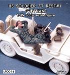 RARE-1-35-US-Soldier-at-rest-Vietnam