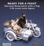1-35-Ready-For-a-Feast-German-Motorcycle-Rider-with-a-pig-WW-and-8545