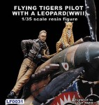 1-35-Flying-Tigers-Pilot-with-a-Leopard-WW-and-8545