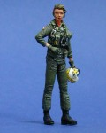 1-35-US-Navy-Woman-Pilot-WWII