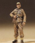 1-35-Walking-SS-Sergeant-1944
