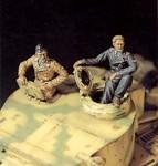 1-35-Tiger-tank-crew-set