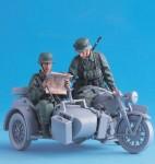 1-35-German-Sidecar-team