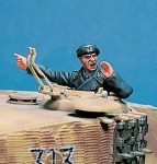 1-35-German-Tank-Commander