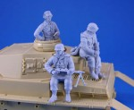 1-35-WWII-German-Tank-Crew-and-Riders-set