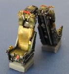 RARE-1-48-Martin-Baker-H7-Ejection-Seats-set-wo-Belt-2ea