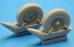 RARE-1-35-SdKfz-251-Front-Wheels-w-Snow-Shoes-SALE-