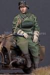1-35-German-Motorcycle-Driver