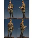 1-35-WSS-Grenadier-Officer