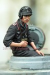1-35-German-Panzer-Commander-Summer-2