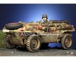 1-35-WSS-Schwimmwagen-Driver-Hitler-Jungen
