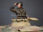 1-35-WSS-Panzer-Commander-1
