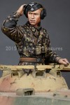 1-35-WSS-Panzer-Commander-Set-2-figures