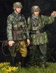 1-35-German-Grenadier-Set-2-figures