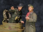 1-35-DAK-AFV-Commander-Set-2-figures