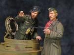 1-35-DAK-AFV-Commander-Set-2-figures