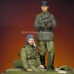 1-35-WW2-Russian-Tank-Crew-Set-2-figures